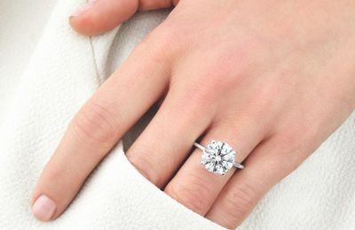 6 Things That Make Your Engagement Ring Look Cheaper