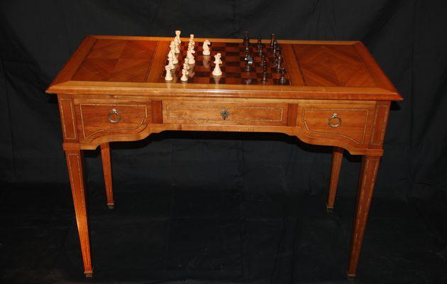 Table à jeux Louis XVI