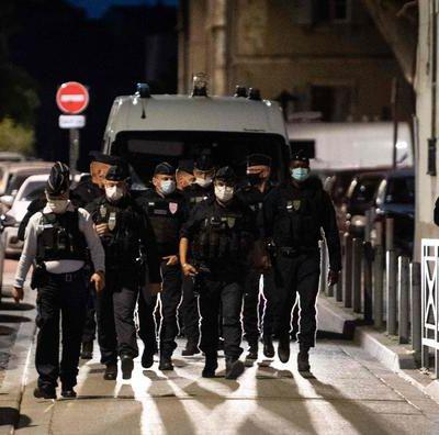 Policier tué à Avignon