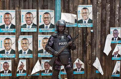 Uganda journalists arrested; opposition contests poll results