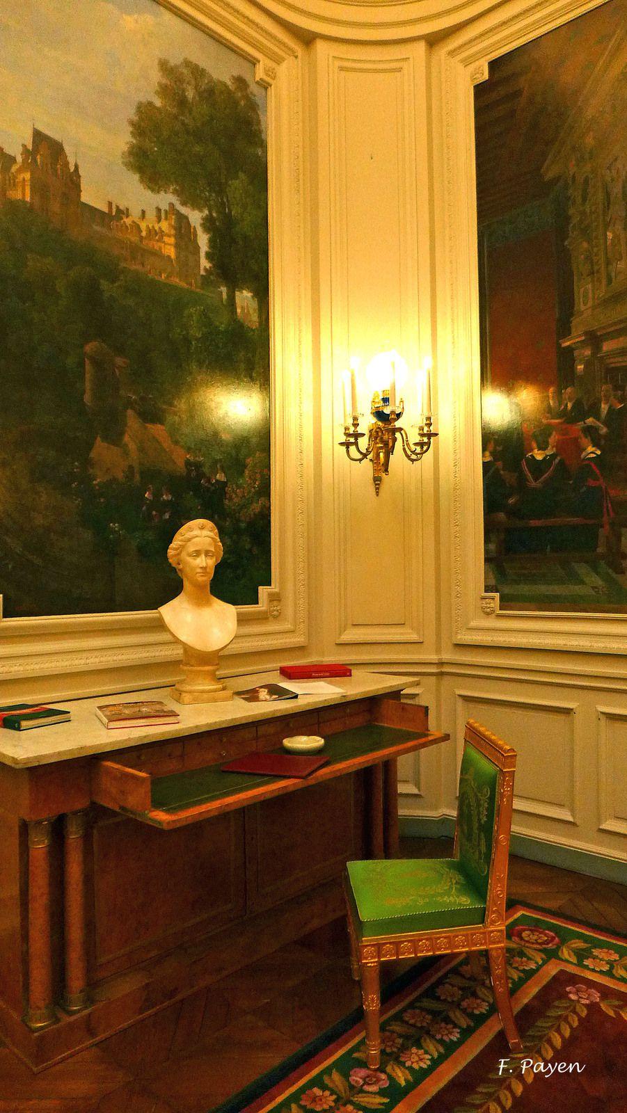 Palais de la Légion d'honneur : le salon des maisons.