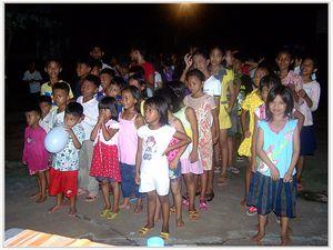 Aide Humanitaire   Anastasia ira au Cambodge