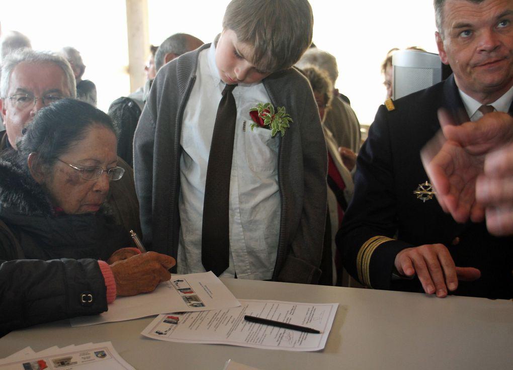 Signature d'une charte de jumelage entre le Mémorial national des marins morts pour la France de la Pointe Saint Mathieu et le Mausolée Marine de Papeete