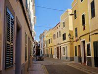 La cité de CIUTADELLA avant la fête de Sant Joan.....le calme et le silence des rues vont bientôt laisser place à une gigantesque marée humaine!!!