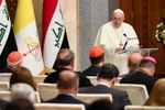 A Bagdad, le pape François rend hommage aux yézidis, « victimes de barbaries insensées »
