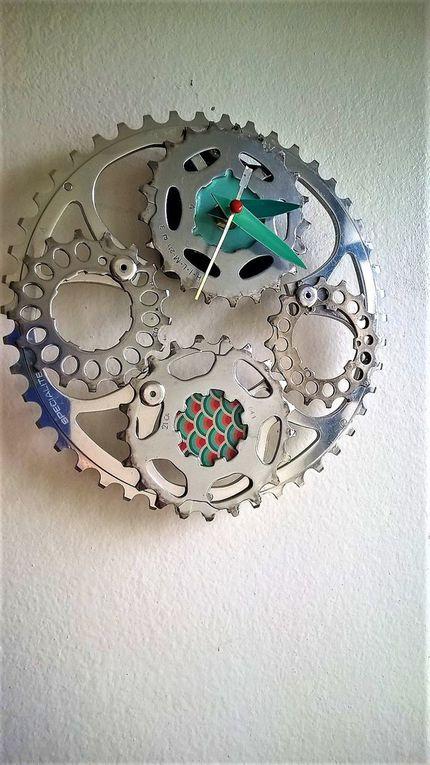 Horloges aux couleurs Vintage...ou quand le bleu, l'orange et le turquoise se rencontrent....