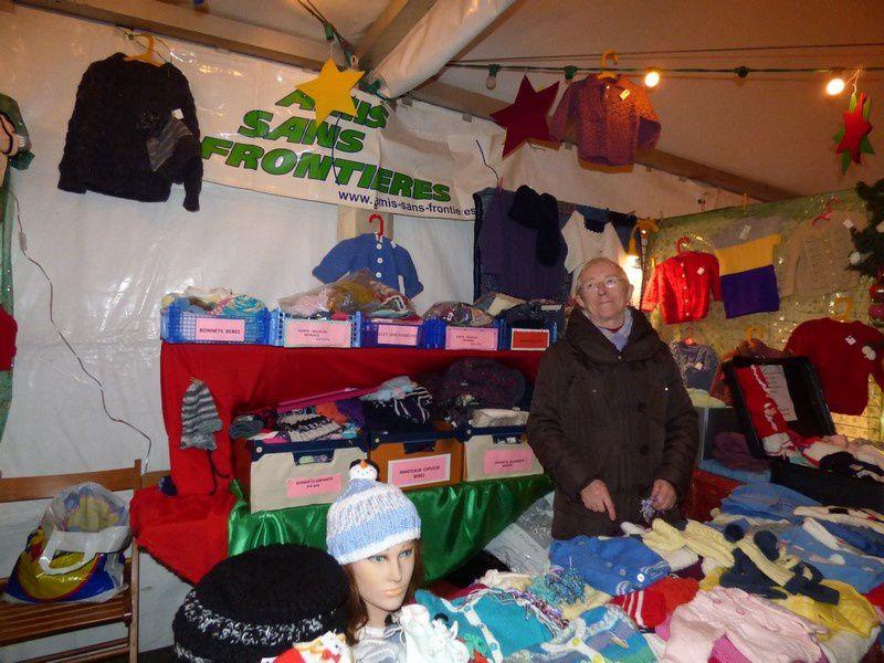 Le marché de Noël dans la salle des fêtes