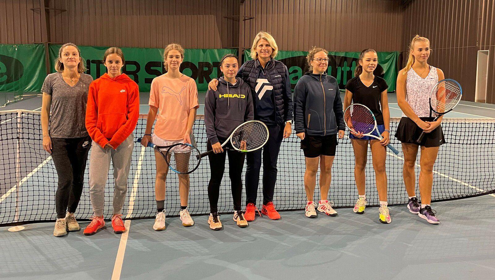A gauche : Agathe Rault et Lucie Rolland-Mancini. Au centre : Ewa Majewski et Véronique Mancini