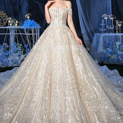 Lancer dans l'aventure pour trouver la robe de mariée