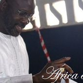 George Weah, senador en Liberia. La exestrella de fútbol derrotó a Robert Sirleaf, el hijo de la...