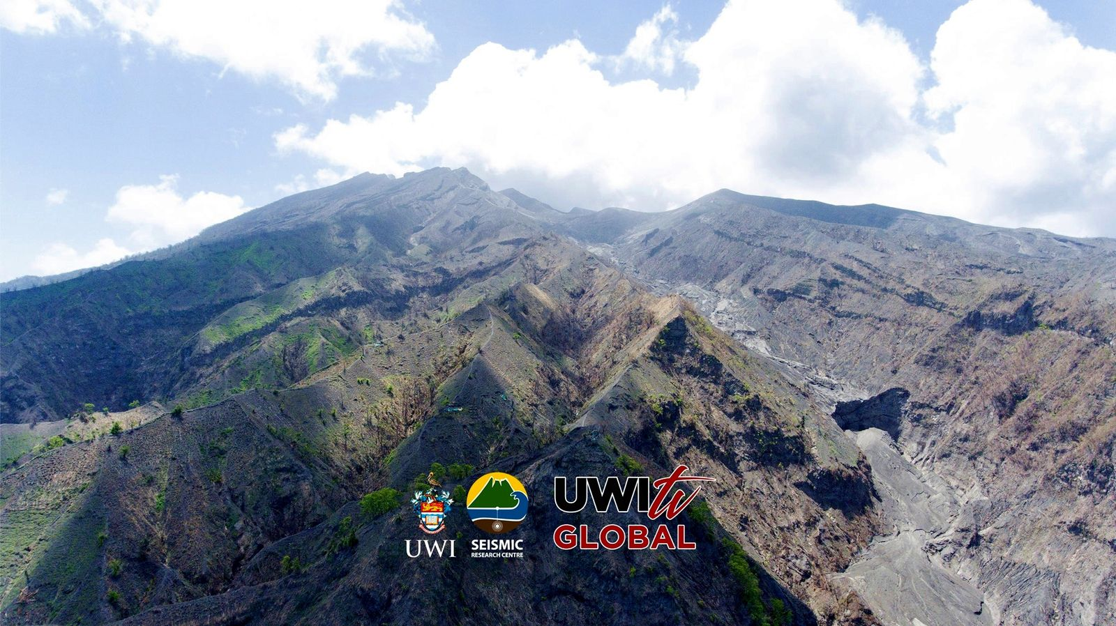 Soufrière de St. Vincent - The top of the volcano and the top of the Larakai valley filled with deposits. - photo Javid Collins, UWI-TV.