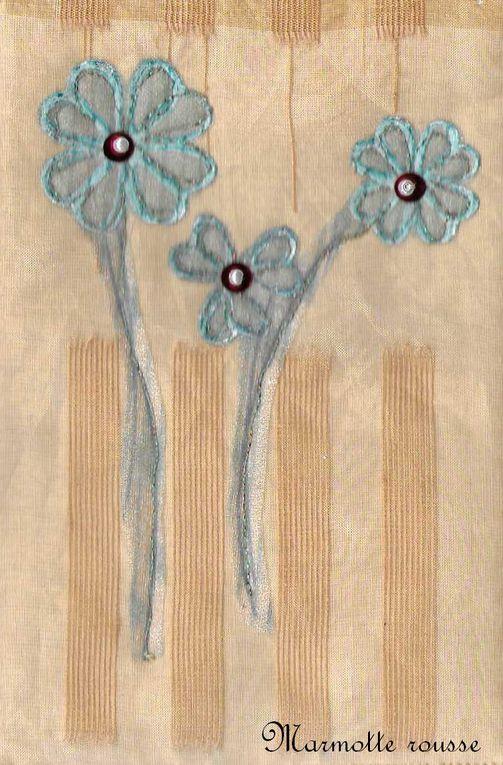 De petits bouquets naïfs avec un air printanier qui apporte un peu de légèreté et de lumière.