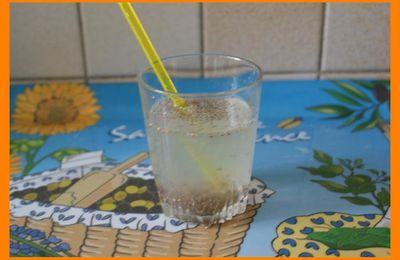Je teste la boisson aux graines de chia.