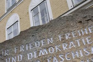 """Destruction de la maison natale d'Hitler : """"On ne peut pas annoncer qu'on rase sans évoquer le moindre projet"""""""