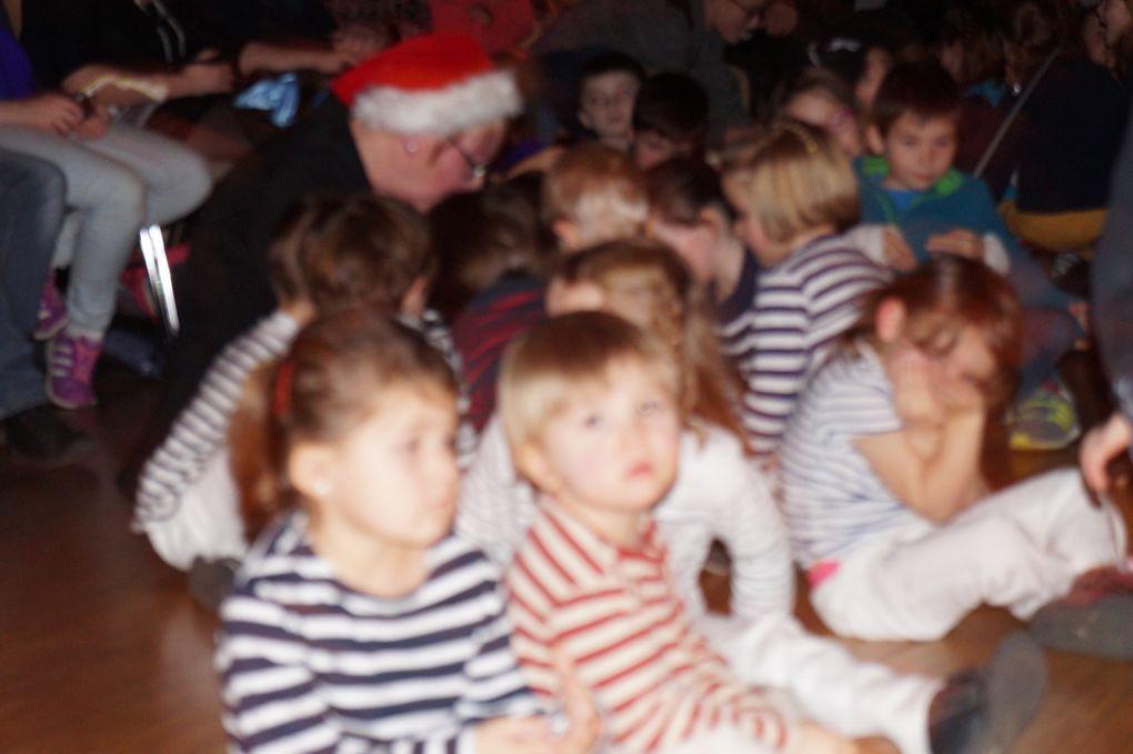 """Spectacle de Noël """"Tous à bord"""""""