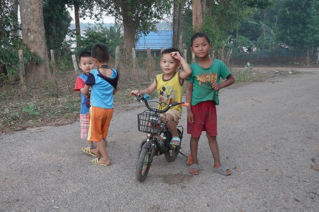 LAOS : la boucle de Thakhek à moto