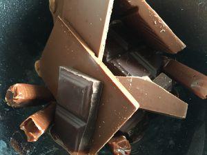 Mousse aux deux chocolats et carambar