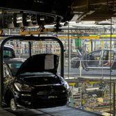 Pourquoi PSA et Renault reportent encore le redémarrage des usines en France