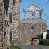 Le village du Vernet (2) : l'église et la place principale / Balade en Haute-Loire - Dans la Bulle de Manou