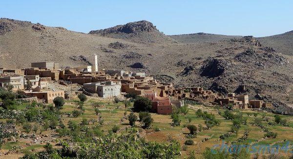 R106 Tafraoute - Igherm (Maroc en camping-car)