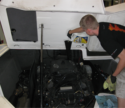 Bomv- Experienced Technician for Boat Maintenance Service
