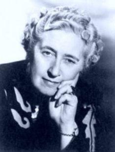 Agatha Christie, reine mondiale du roman policier, en 15 citations qui lui vont bien
