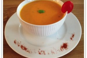 Crème de tomates au basilic