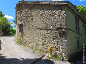 Quelques maisons et ruelles du hameau