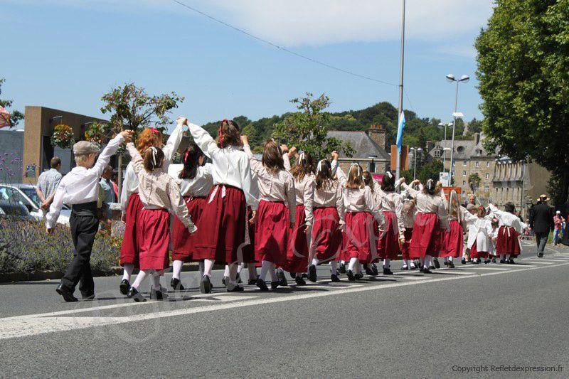 Festival de danse des enfants de Bretagne.