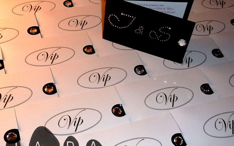 Commande de faire-part VIP noir, blanc et strass...