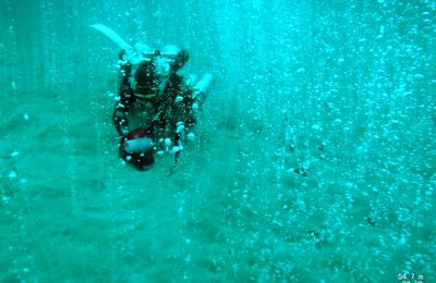 Deep diving scientists discover bubbling CO2 hotspot in Passage of Verde island.