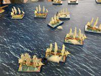 Une frégate française sombre et les autres vaisseaux de ligne sont en proies aux avaries multiples...