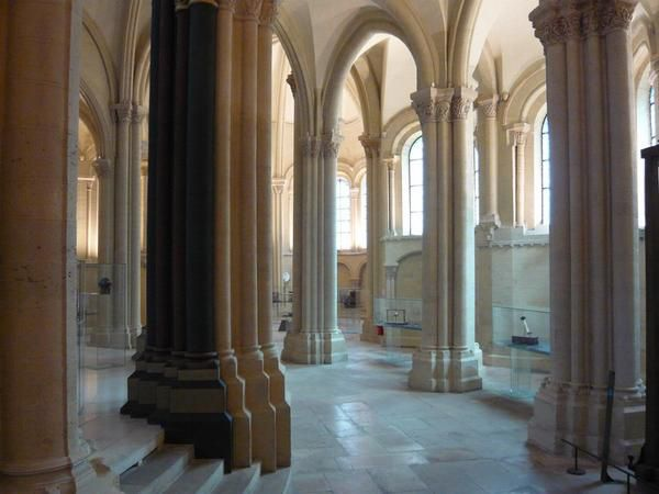 Visite en mai 2008 de la partie du musée hébergée dans l'église St Martin des Champs et de la galerie attenante.