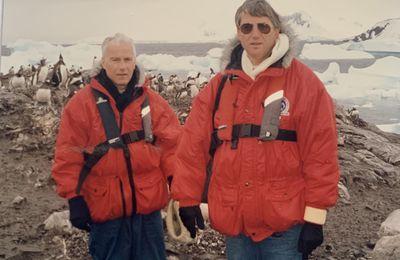 MES COUPS DE COEUR :  En Antarctique, notre rencontre improbable bord à bord avec l'explorateur et scientifique Jean-Louis Etienne.  C'était en janvier 1992lors d'un reportage.