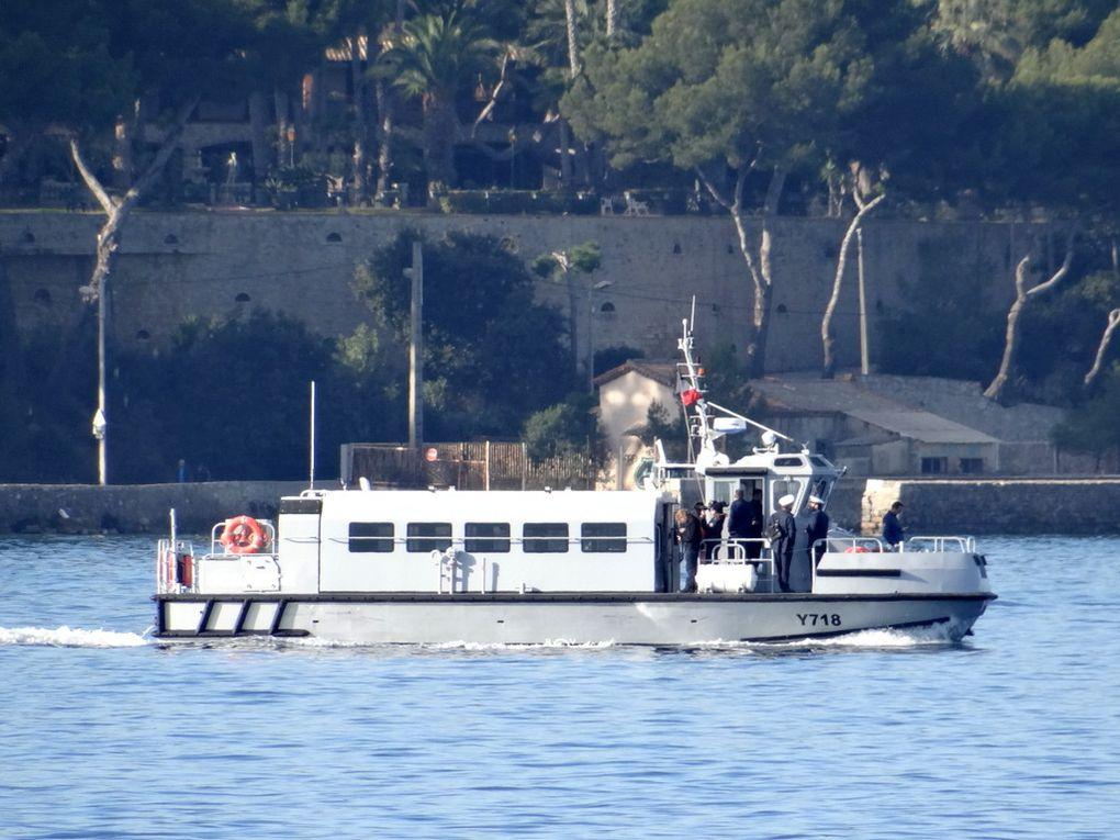 OCEANIDE  Y718 ,  vedette de liaison (VLI) en petite rade de Toulon le 17 novembre 2017