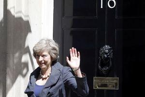 Theresa May dans une position délicate