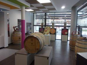 Inauguration de la vitrine œnotouristique, consacrée aux vignerons orangeois.