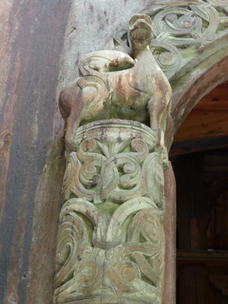 deux lions sur les piliers d'une autre porte...