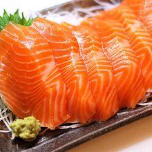 Bà bầu có nên ăn cá hồi không?