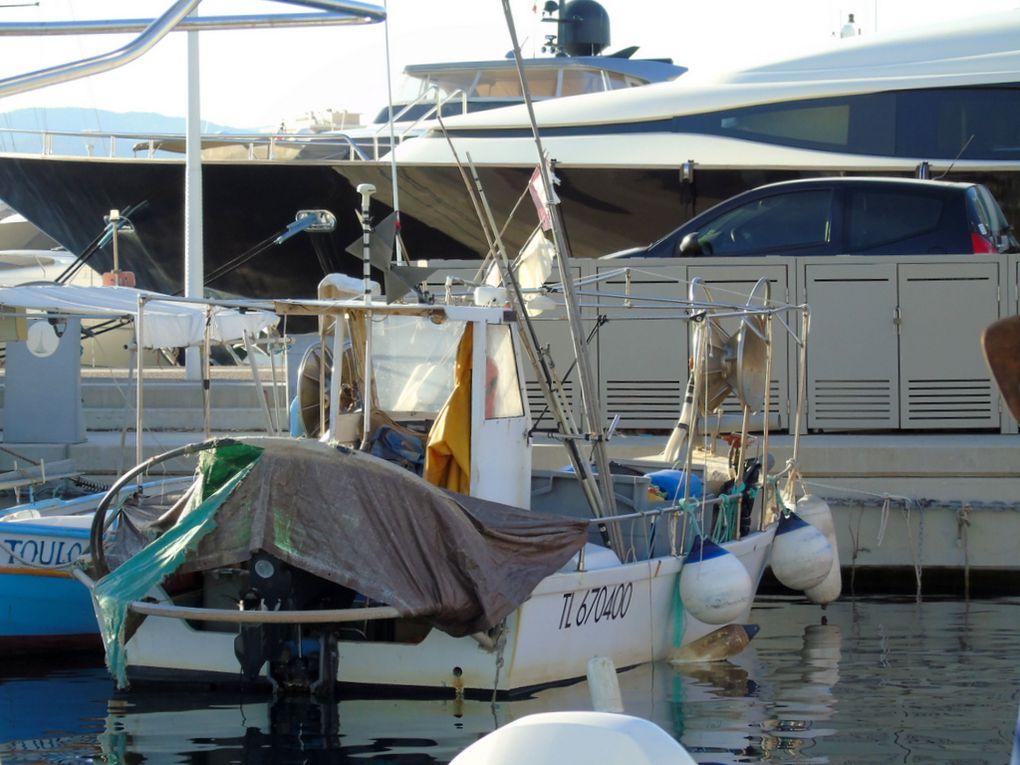 MIKE  II   ,  TL 670400 , a quai dans le port de Saint Raphael le 17 novembre 2017