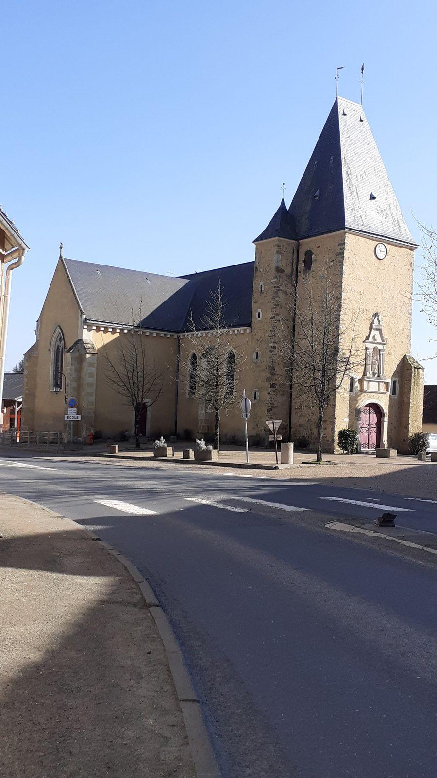 Eglise Saint Eloi reconstituée au XIX -ème siècle sur une base romane.