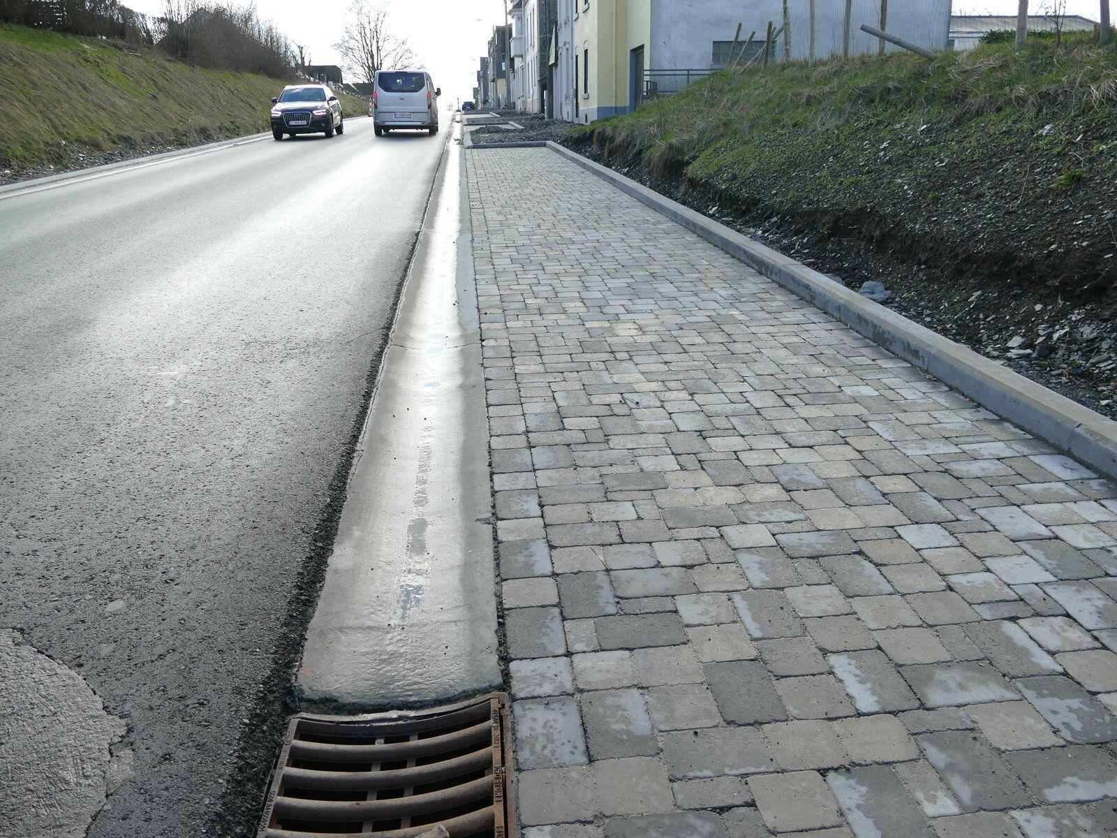 Une avenue dangereuse pour les usagers faibles.