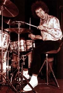 My Teeth Are A Drumset : Mitch MITCHELL