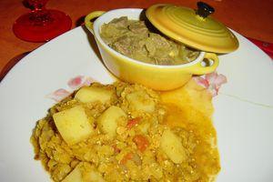 Curry de boeuf accompagné de curry de lentilles rouges