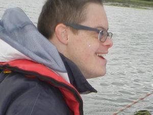 Pierre Henri, jeune trisomique de 22 ans, voudrait être champion de voile!