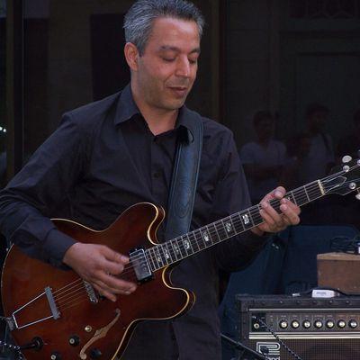 Abder Achbani - Guitariste -