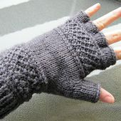 Treads, a tipless gloves pattern pattern by Victoria Anne Baker