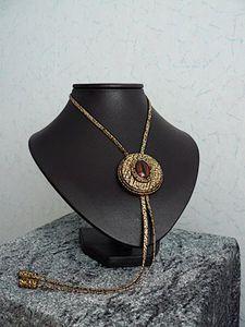 Comment faire ses présentoirs bijoux pour vos stands ou votre déco