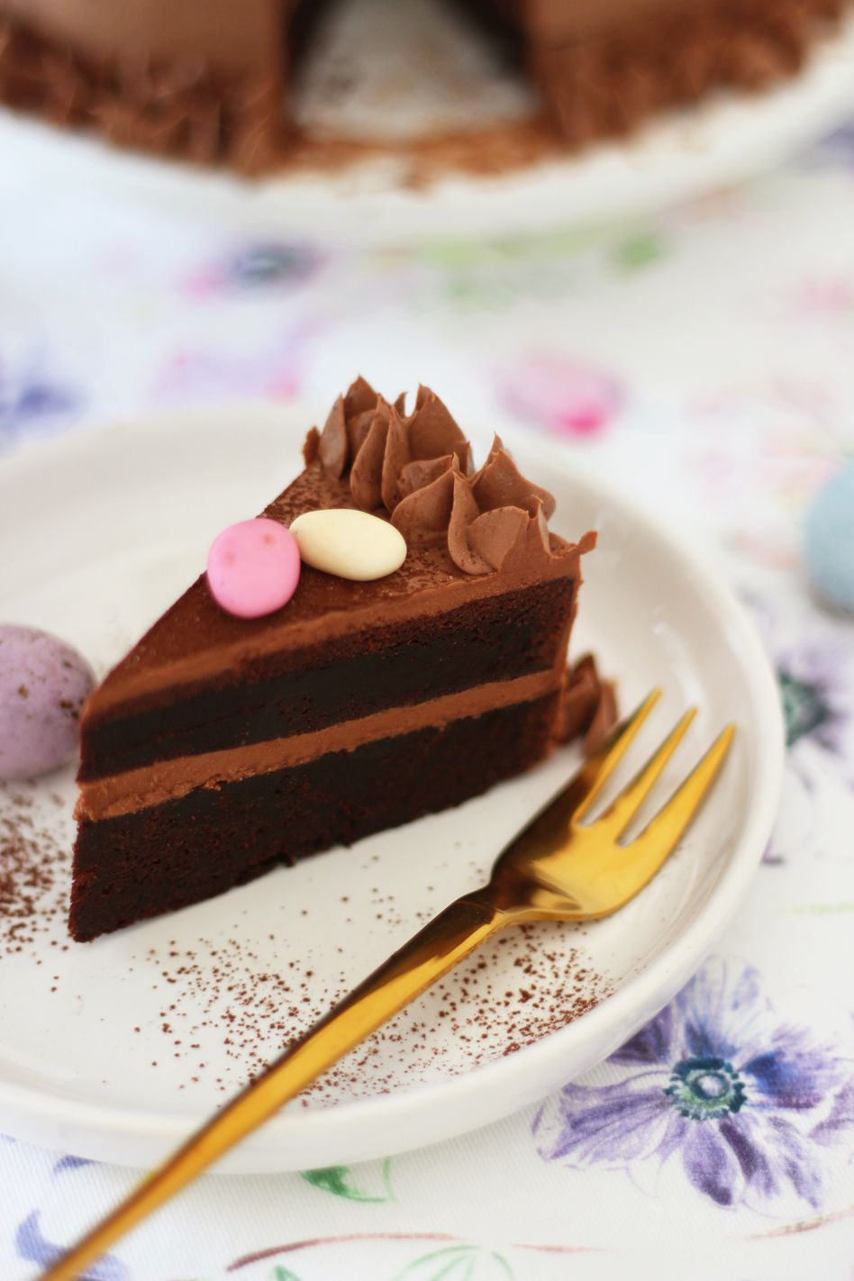 Lapin layer cake au chocolat pour Pâques