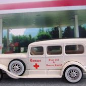 CADILLAC V15 1931 AMBULANCE DENVER 1/43 SOLIDO - car-collector.net